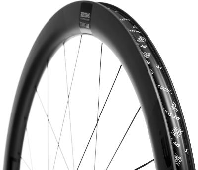 DT Swiss ERC 1400 Carbon framhjul til racersykkel på Bikester.no